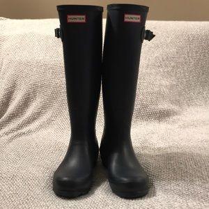 EUC- Hunter tall boots Matte Navy Blue